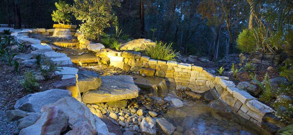 sydney-sandstone-waterfeature-rural